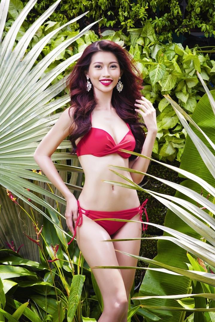 Top 17 Hoa khoi Ao dai khoe dang voi bikini hinh anh 7