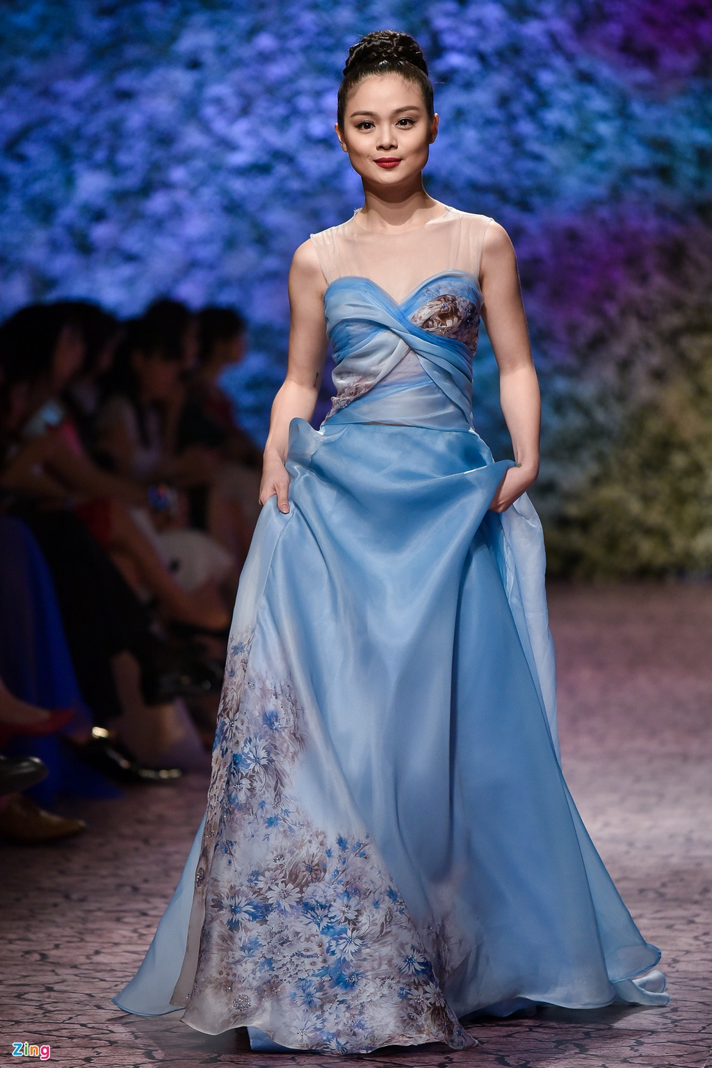 Le Quyen, Thu Phuong dien thoi trang o show Hoang Hai hinh anh 5