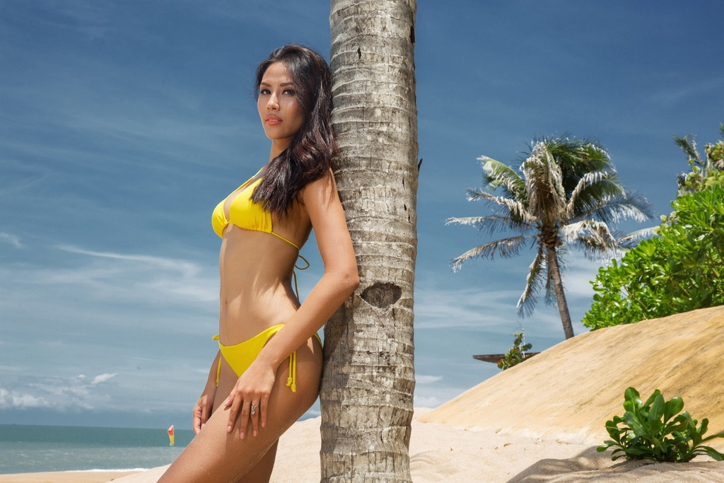 Nguyen Thi Loan dien bikini anh 3