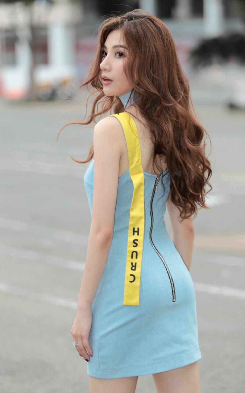 Emily,  Hanh Sino ca tinh tren duong pho Sai thanh anh 10