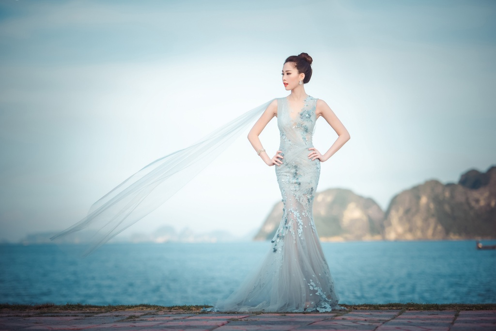 Dang Thu Thao mong manh tren vinh Ha Long hinh anh 1