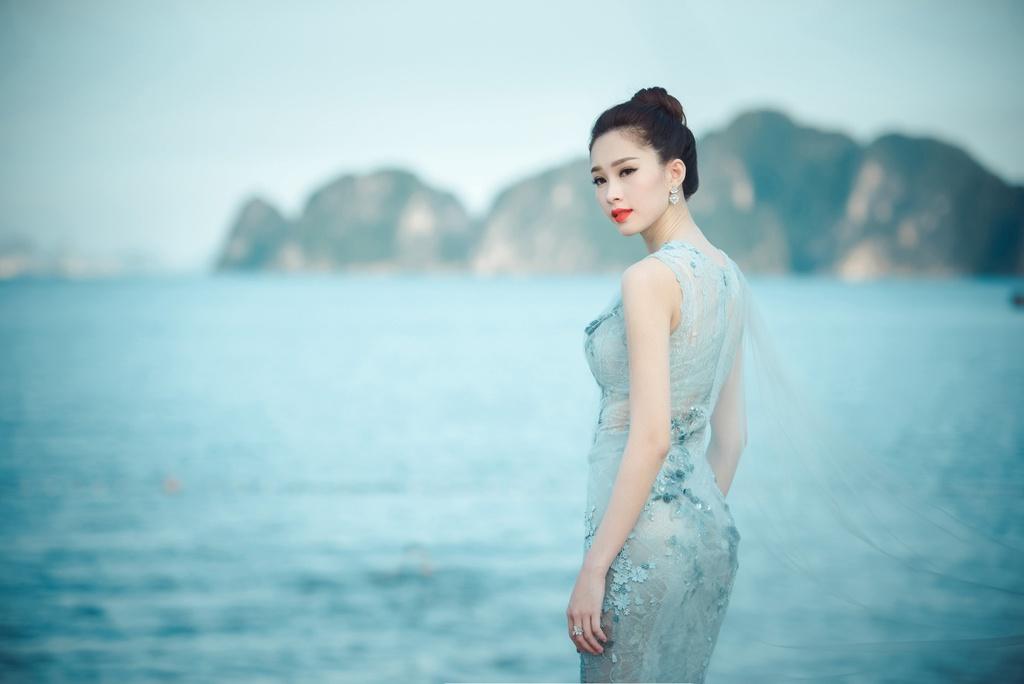 Dang Thu Thao mong manh tren vinh Ha Long hinh anh 3
