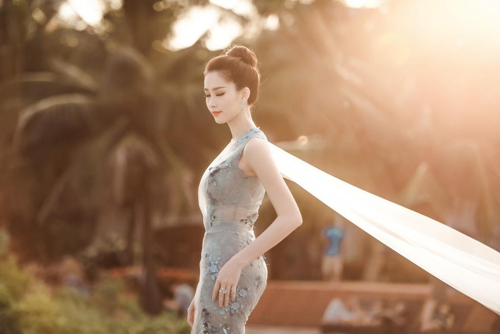 Dang Thu Thao mong manh tren vinh Ha Long hinh anh 5