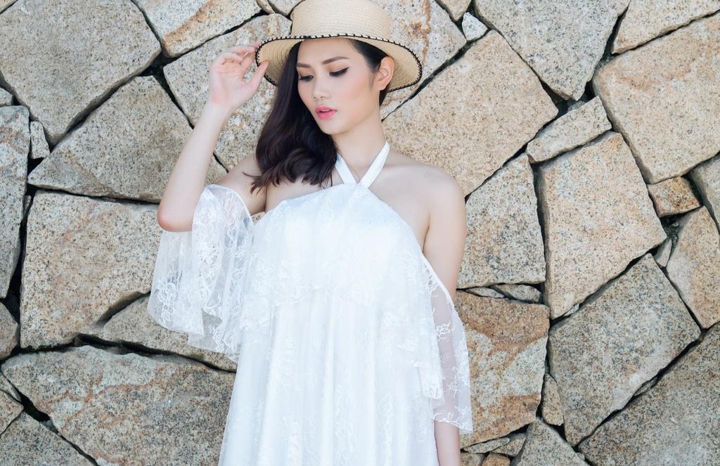 Hoa hau Dong Nam A goi y 8 set do di bien hinh anh 9