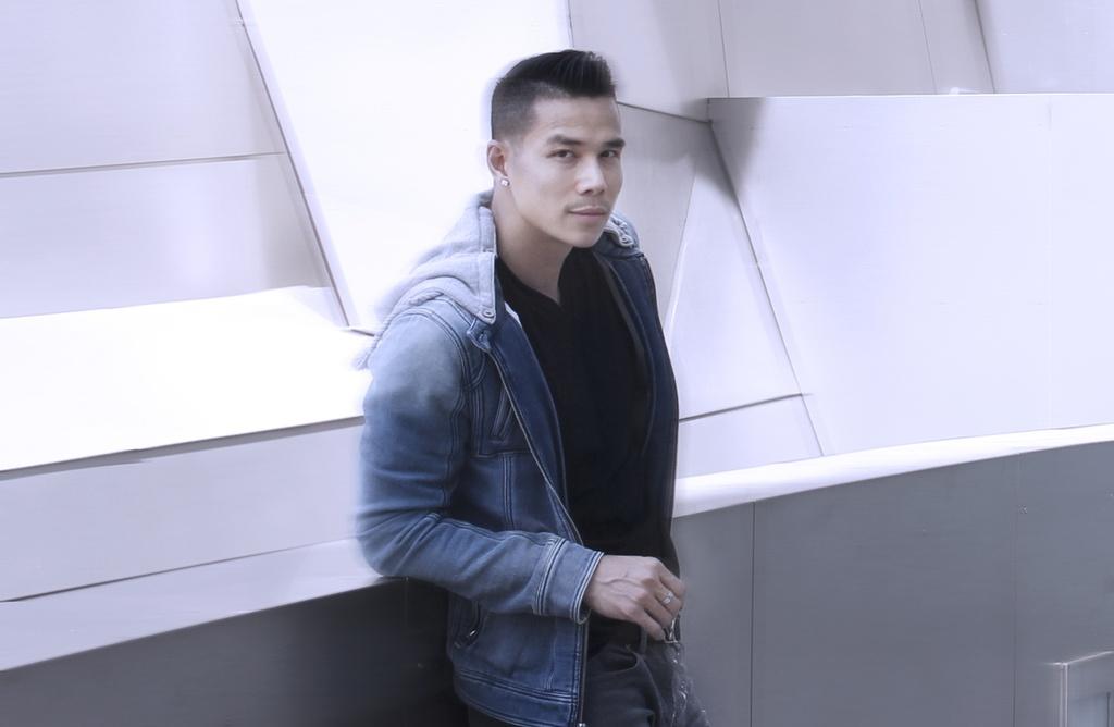 Nam vuong Tien Doan bui phui tren duong pho My hinh anh 5