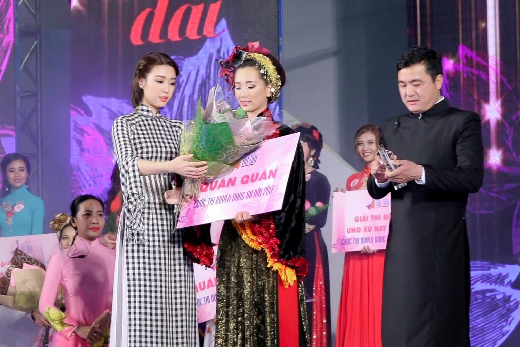 Thi sinh U40 doat giai nhat Duyen dang Ao dai 2017 hinh anh 1