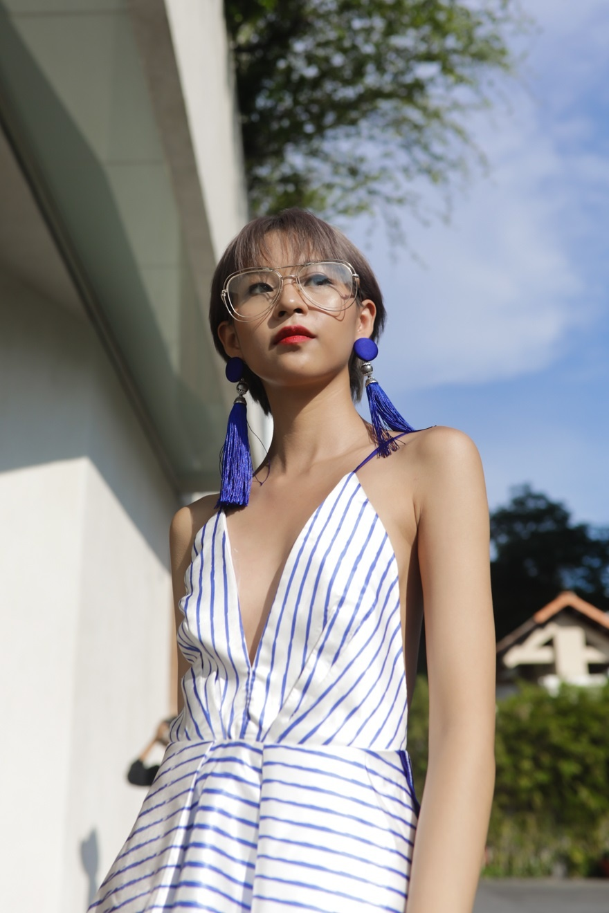 Phi Phuong Anh, Jolie Nguyen khoe sac street style hinh anh 1