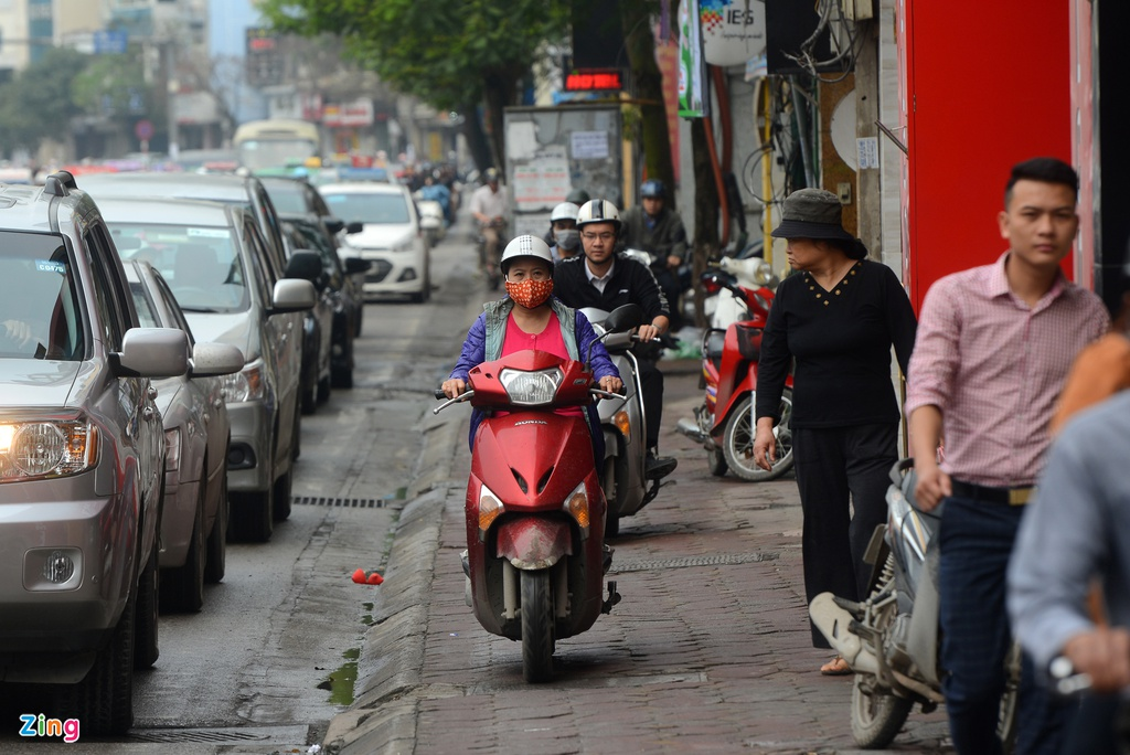 xe may cay nat via he Ha Noi anh 16