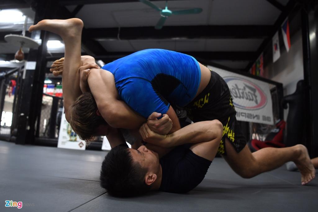 Kham pha lo vo tong hop MMA hang dau Ha Noi hinh anh 7
