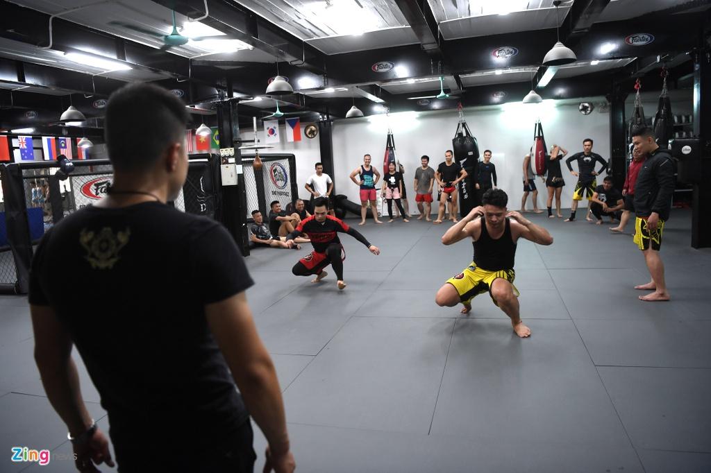 Kham pha lo vo tong hop MMA hang dau Ha Noi hinh anh 8