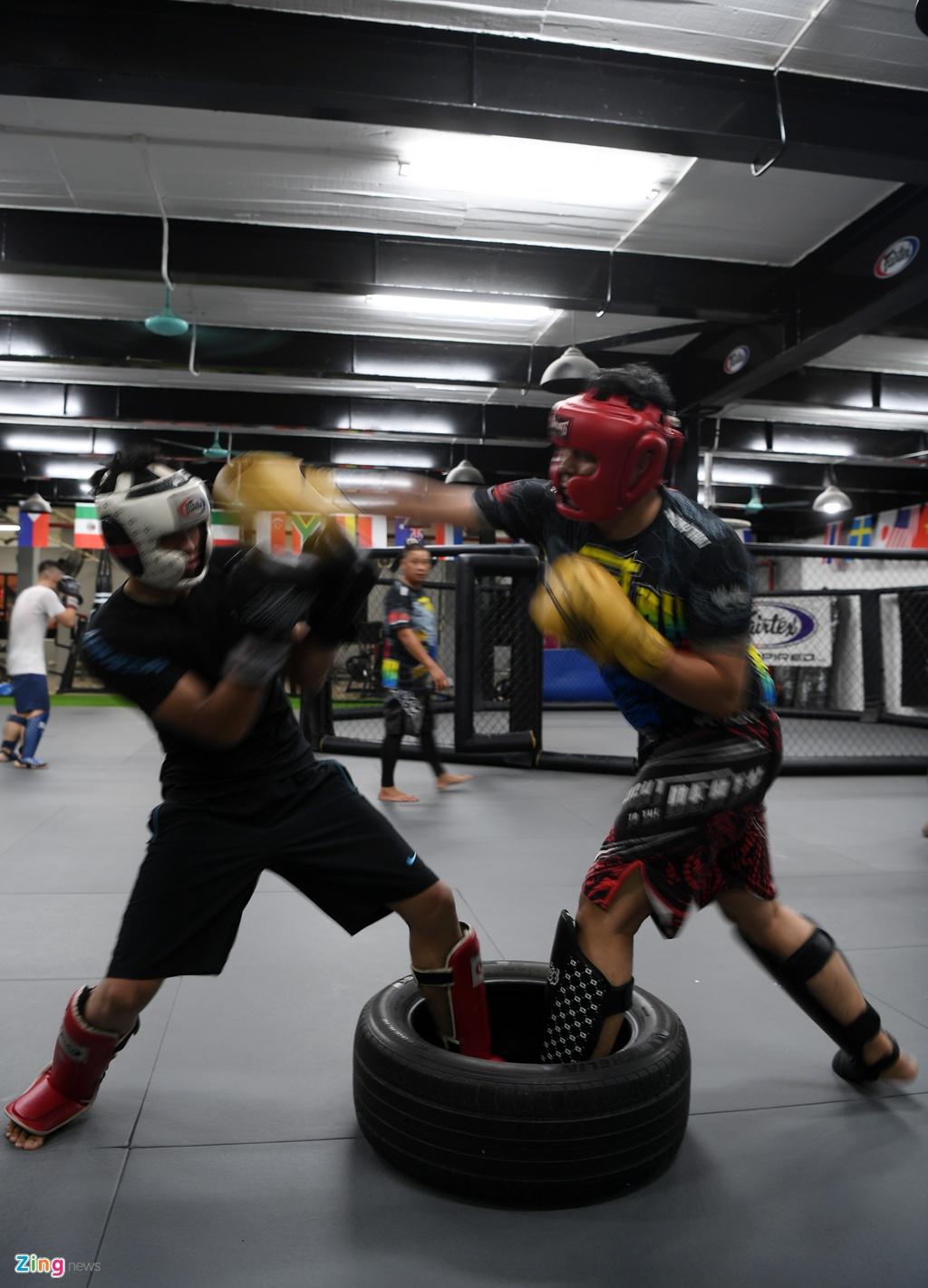 Kham pha lo vo tong hop MMA hang dau Ha Noi hinh anh 16