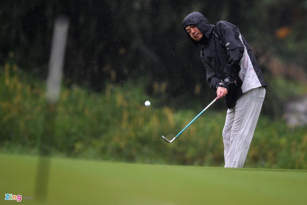 Hon 100 CEO du APEC danh golf duoi mua tam ta o Hoi An hinh anh 10