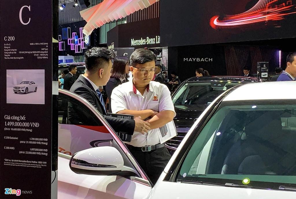 Bai binh bo tran ban xe o Vietnam Motor Show 2019 hinh anh 2