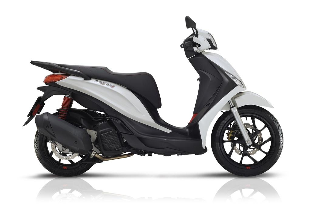 Honda SH 2020 vs. Piaggio Medley 2020 hinh anh 1