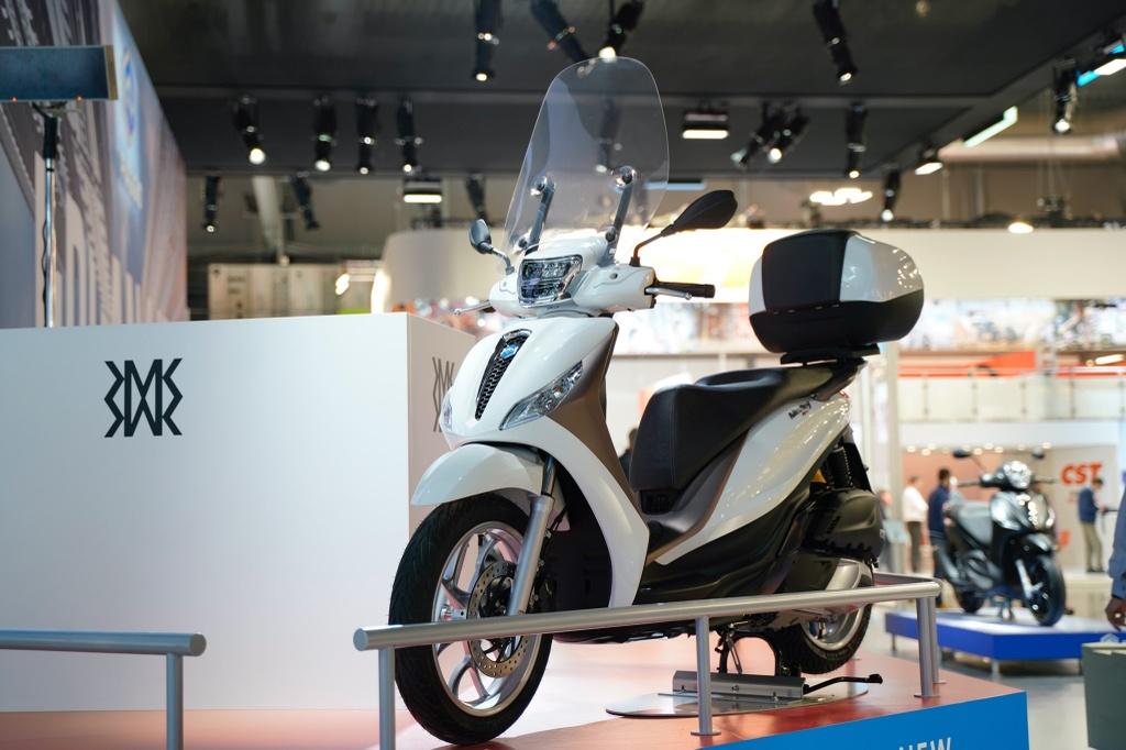 Honda SH 2020 vs. Piaggio Medley 2020 hinh anh 13