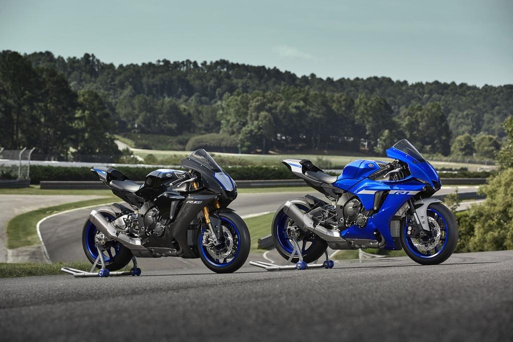 gia xe moto 1000 cc anh 3