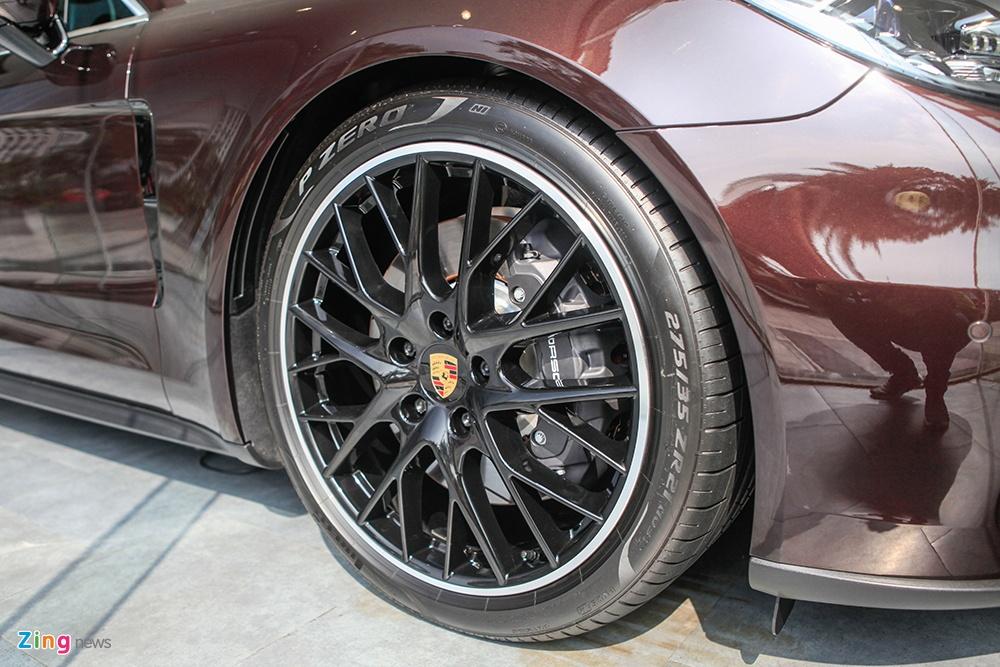 gia xe Porsche Panamera anh 5