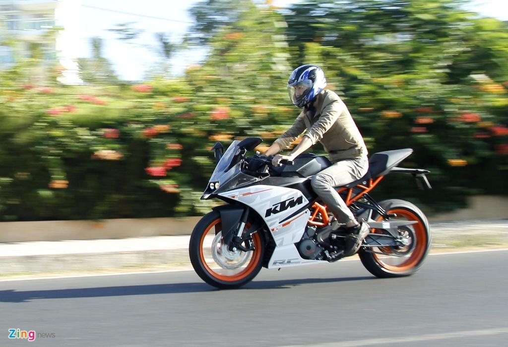Cac mau moto gia 150 trieu phu hop cho nguoi moi choi hinh anh 2 KTM_RC390_Zing_6.jpg