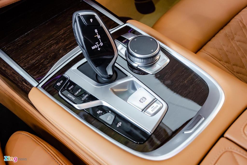 BMW 740Li 2020 gia 5,6 ty dong o Viet Nam, doi thu Mercedes S-Class hinh anh 17