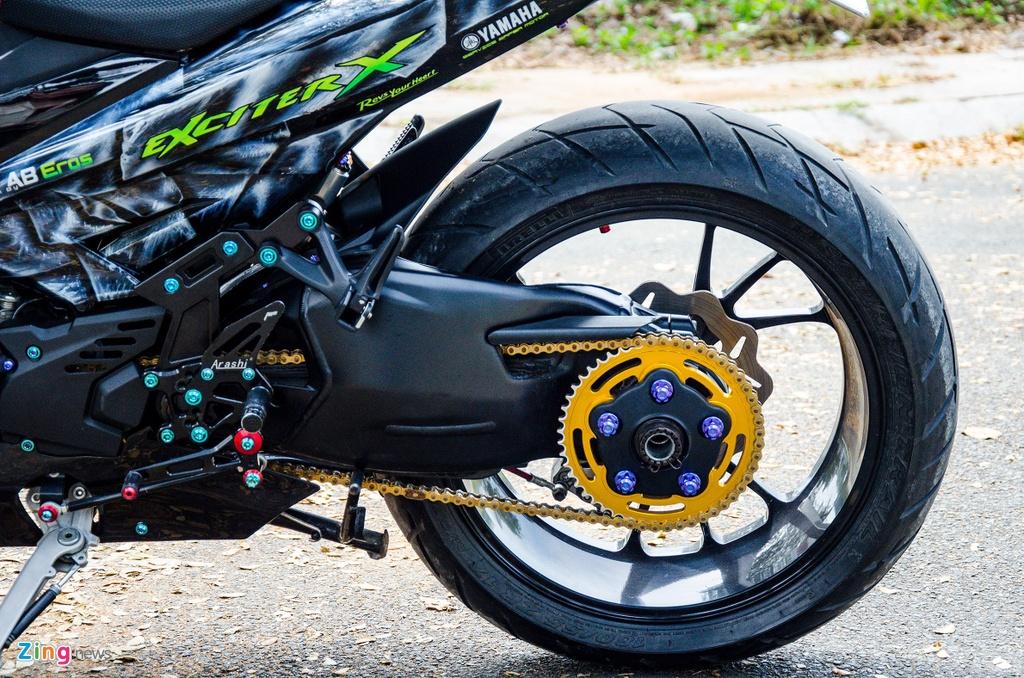 Nhung mon do xe may duoc biker Viet Nam ua thich hinh anh 10 Dan_chan_Ducati_zing.jpg
