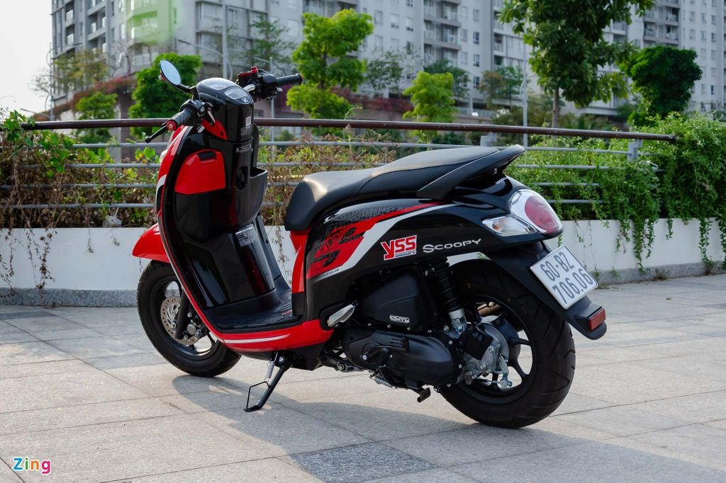 Mua xe tay ga nu voi 40 trieu - chon Yamaha Latte hay Honda Scoopy? hinh anh 6 Honda_Scoopy_Zing_38_.jpg