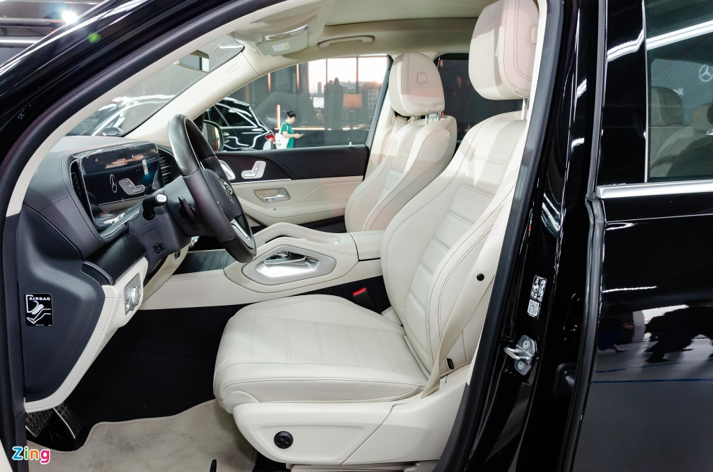Chi tiet Mercedes GLS 450 4MATIC 2020 nhap My, gia 4,9 ty o VN hinh anh 8 Mercedes_GLS_450_4MATIC_2020_Zing_7_.jpg