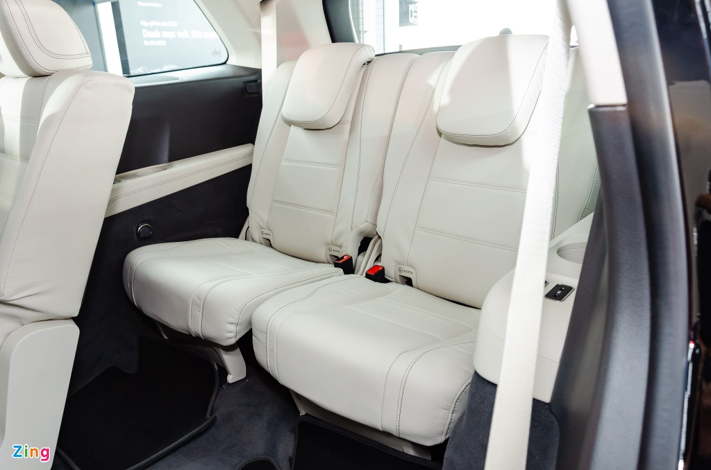 Chi tiet Mercedes GLS 450 4MATIC 2020 nhap My, gia 4,9 ty o VN hinh anh 10 Mercedes_GLS_450_4MATIC_2020_Zing_9_.jpg