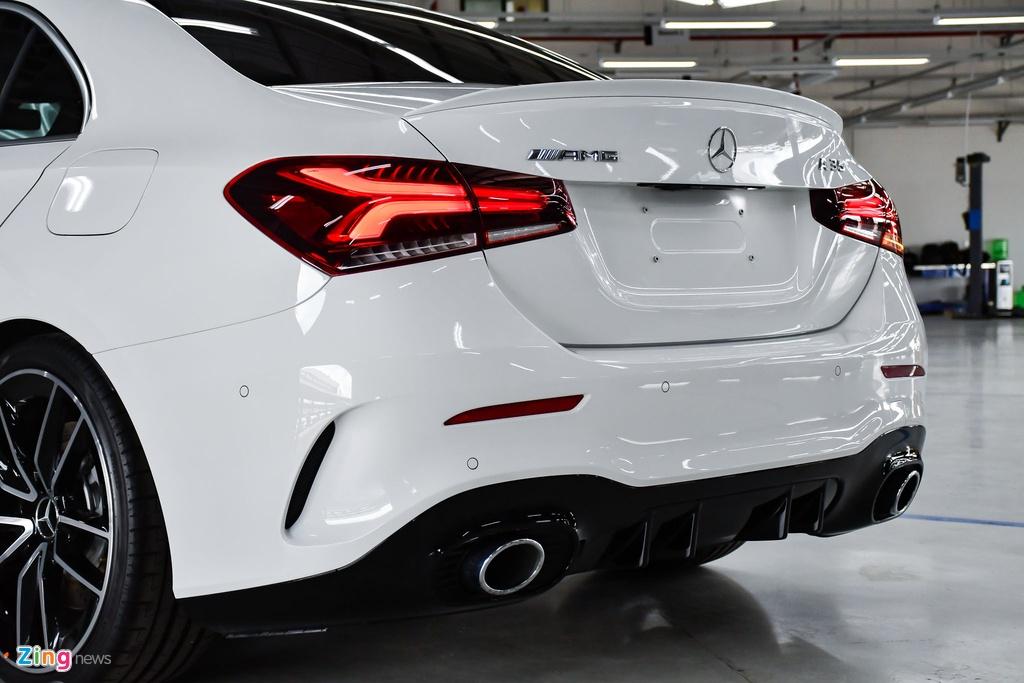 Mercedes-AMG A 35 4MATIC Sedan - xe the thao gia 2,249 ty tai VN hinh anh 8 Mercedes_AMG_A_35_Sedan_Zing_12_.jpg