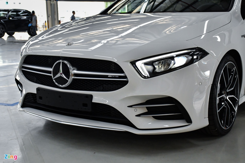 Mercedes-AMG A 35 4MATIC Sedan - xe the thao gia 2,249 ty tai VN hinh anh 5 Mercedes_AMG_A_35_Sedan_Zing_1_.jpg
