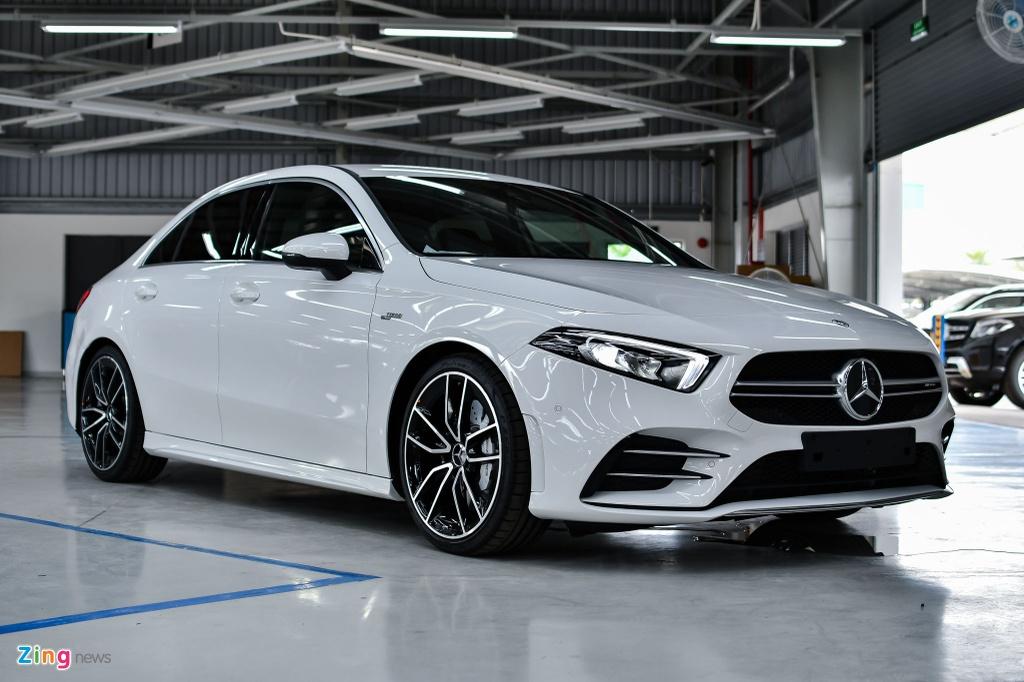 Mercedes-AMG A 35 4MATIC Sedan - xe the thao gia 2,249 ty tai VN hinh anh 1 Mercedes_AMG_A_35_Sedan_Zing_20_.jpg
