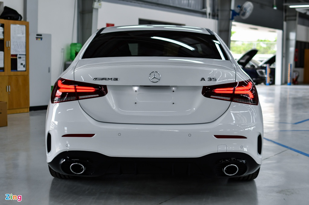 Mercedes-AMG A 35 4MATIC Sedan - xe the thao gia 2,249 ty tai VN hinh anh 4 Mercedes_AMG_A_35_Sedan_Zing_24_.jpg