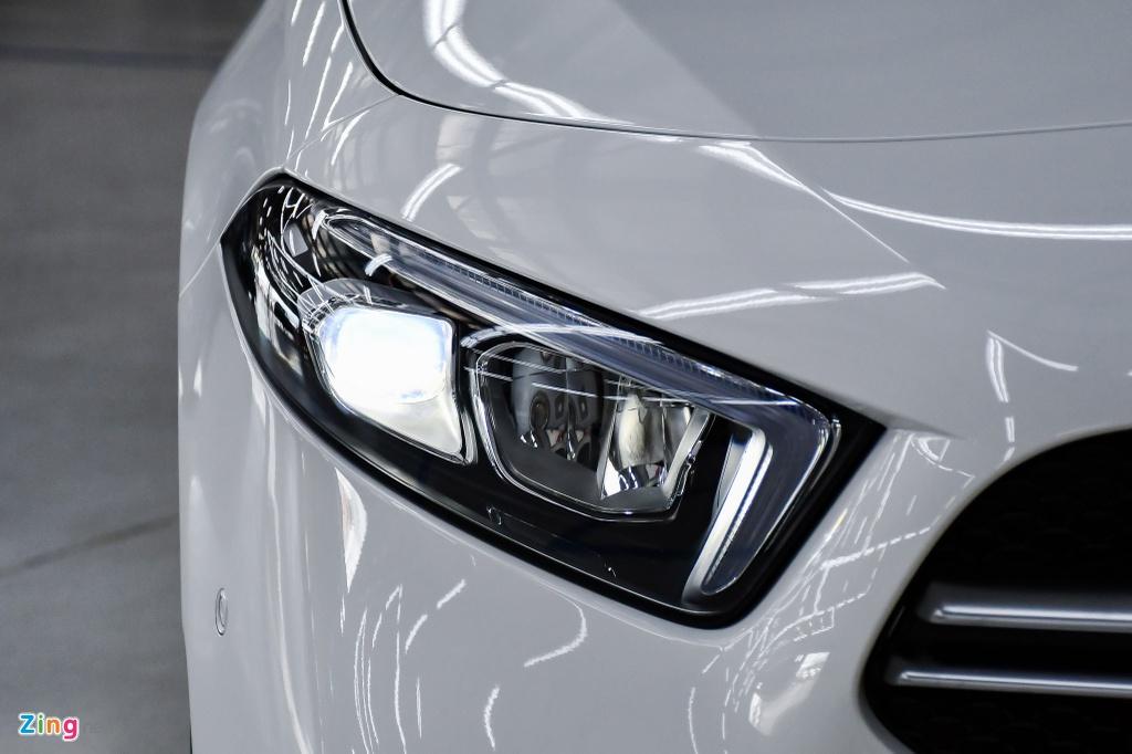Mercedes-AMG A 35 4MATIC Sedan - xe the thao gia 2,249 ty tai VN hinh anh 6 Mercedes_AMG_A_35_Sedan_Zing_3_.jpg