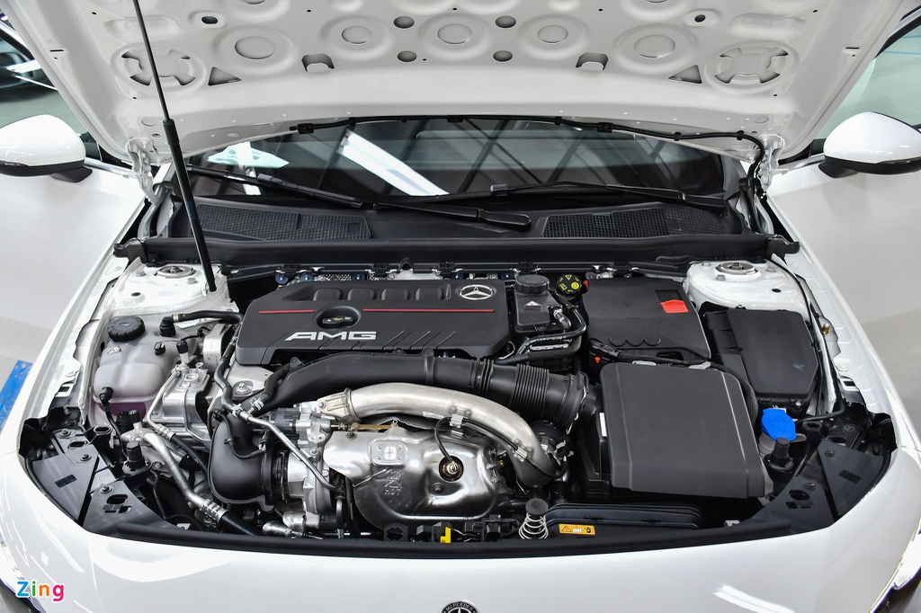 Mercedes-AMG A 35 4MATIC Sedan - xe the thao gia 2,249 ty tai VN hinh anh 19 Mercedes_AMG_A_35_Sedan_Zing_9_.jpg