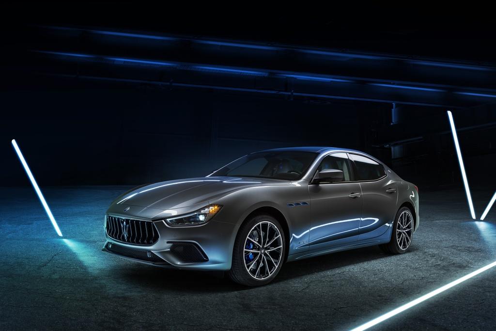 Maserati Ghibli Hybrid 2021 anh 2
