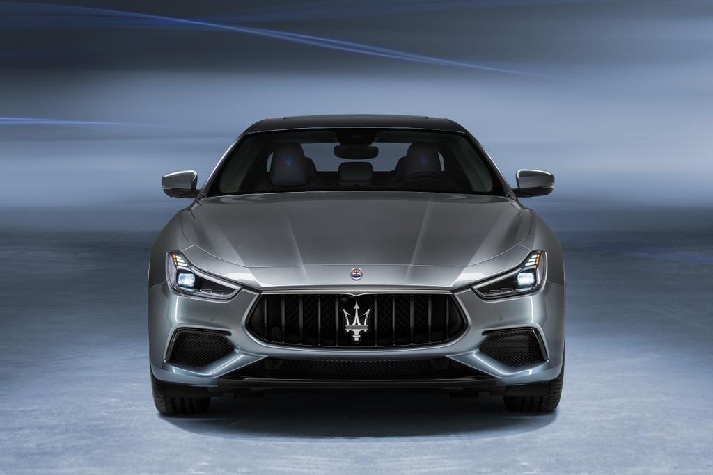 Maserati Ghibli Hybrid 2021 anh 13