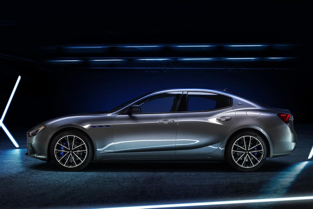 Maserati Ghibli Hybrid 2021 anh 7