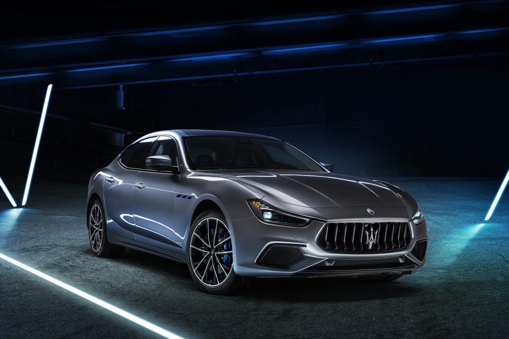 Maserati Ghibli Hybrid 2021 anh 1