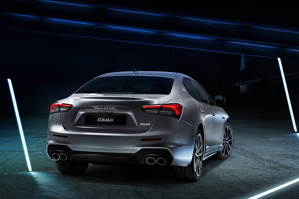 Maserati Ghibli Hybrid 2021 anh 3