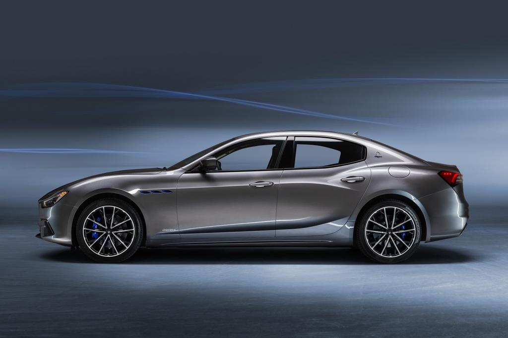 Maserati Ghibli Hybrid 2021 anh 12