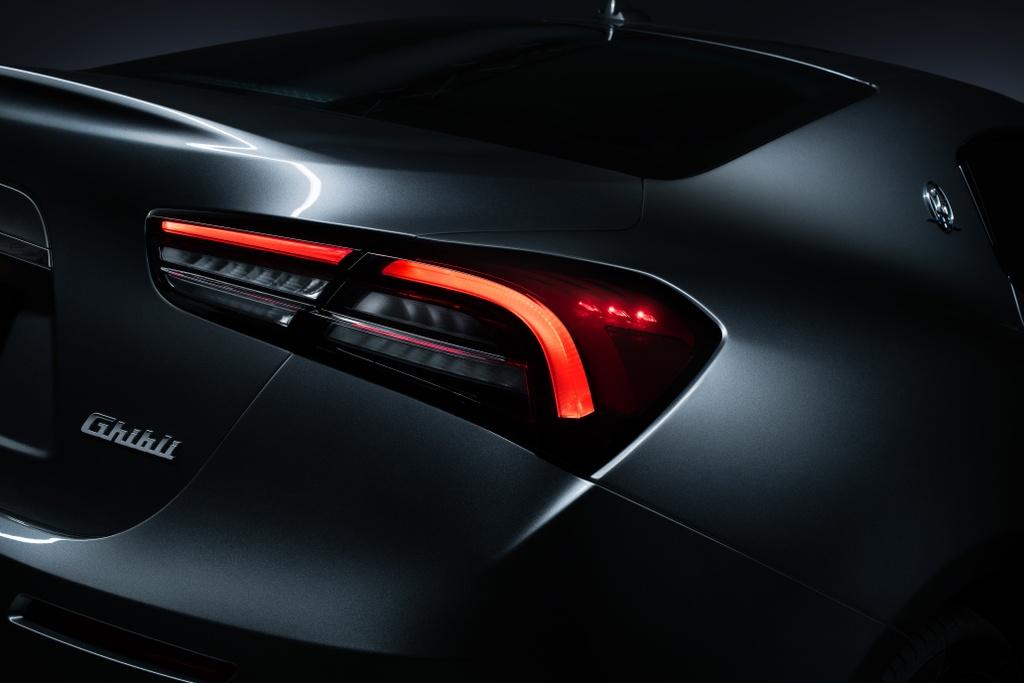Maserati Ghibli Hybrid 2021 anh 6