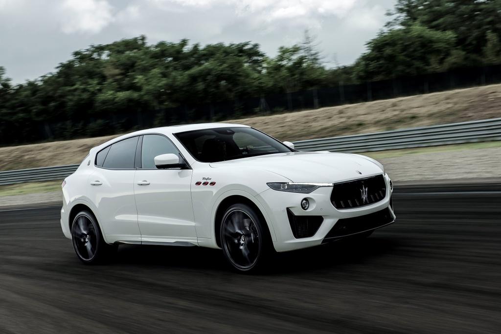 Maserati Levante Trofeo 2021 anh 8