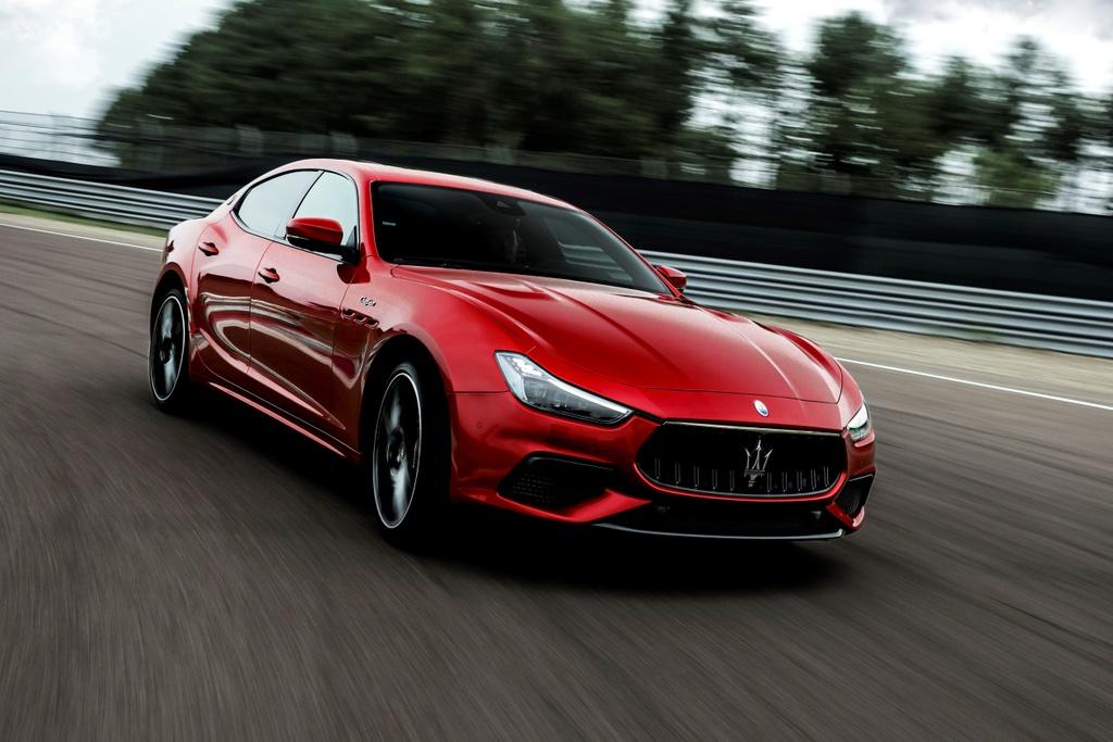 Maserati Levante Trofeo 2021 anh 4