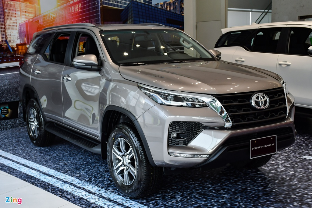 Toyota Fortuner 2021 anh 2