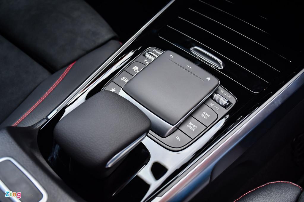 Mercedes GLB 200 AMG anh 15