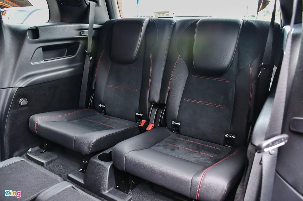 Mercedes GLB 200 AMG anh 17