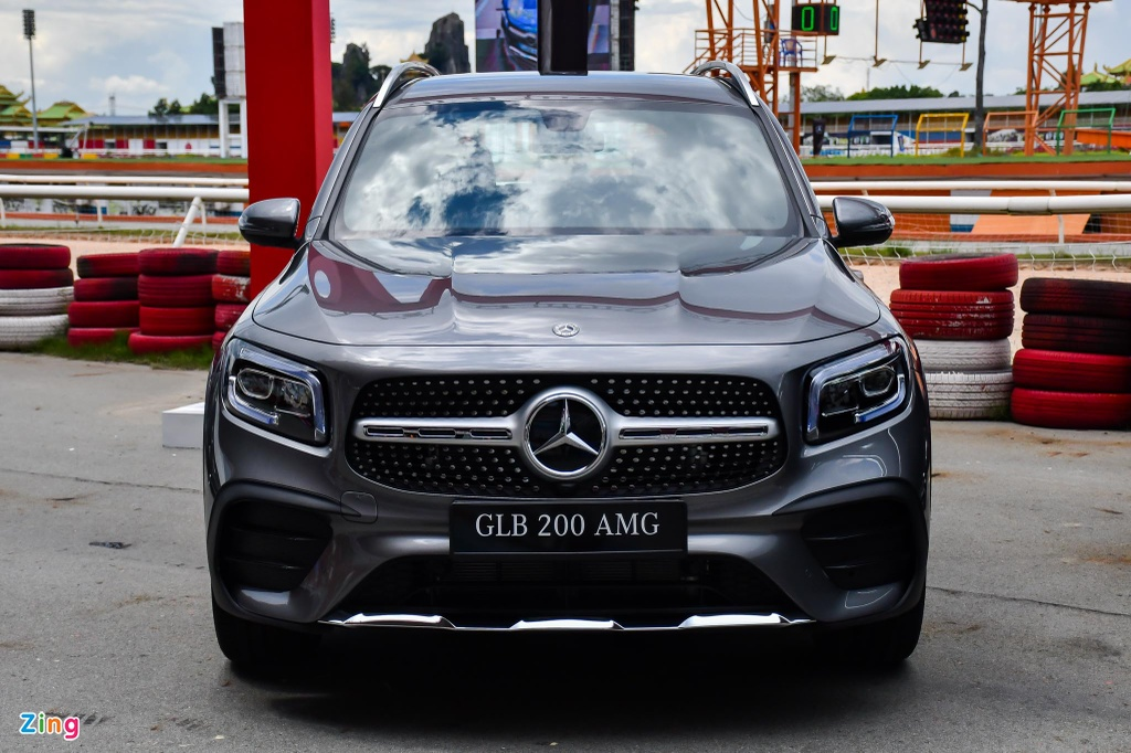 Mercedes GLB 200 AMG anh 5
