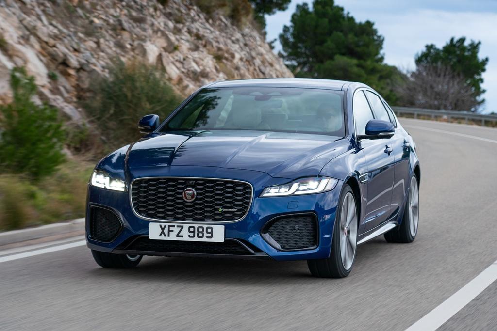 Jaguar XF 2021 anh 11