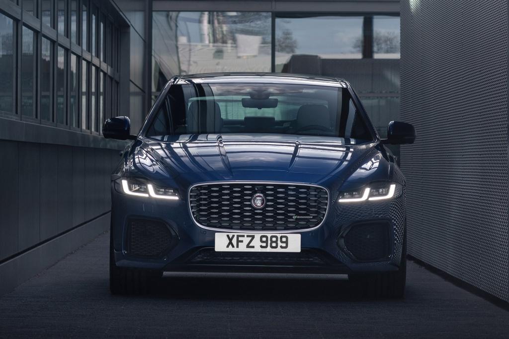 Jaguar XF 2021 anh 3