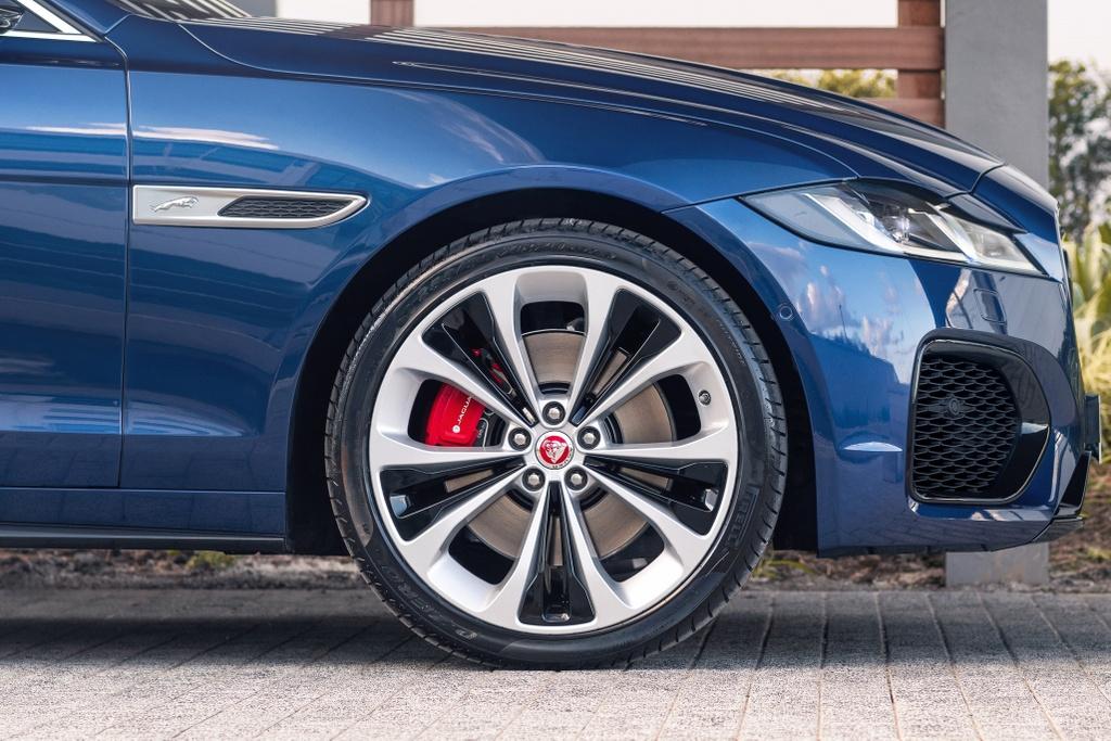 Jaguar XF 2021 anh 7