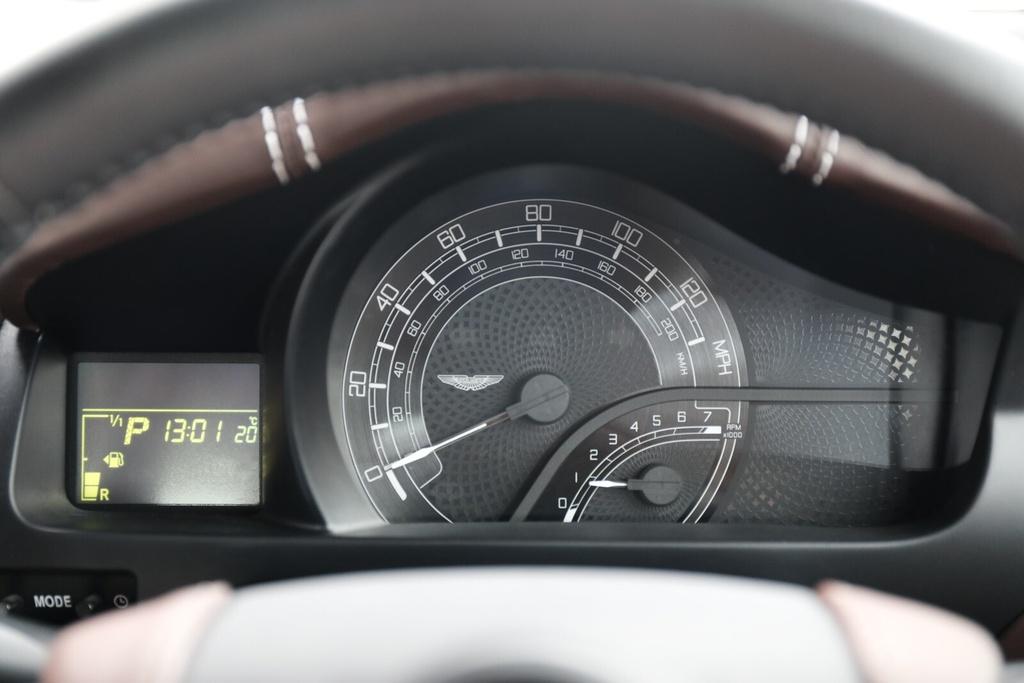 Xe ti hon cua Aston Martin anh 12